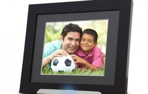 Digital Picture Frames Make Thoughtful, Lengthy-Lasting Gifts